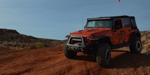 jeep dengan bemper rock slide engineering
