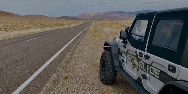 jeep di padang pasir utah