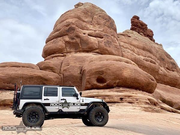 rocker guard untuk jeep wrangler 4 pintu